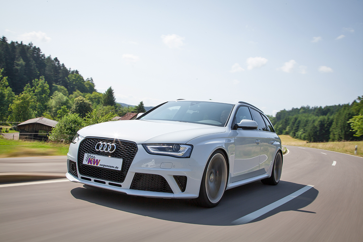 img_KW_Audi_RS4_1200x800_01